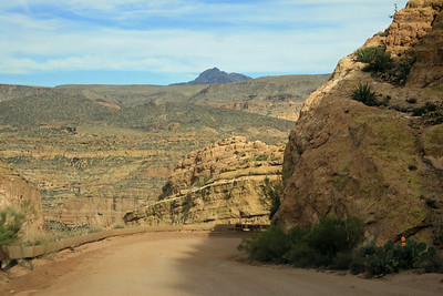 Scenic view along the Apache Trail