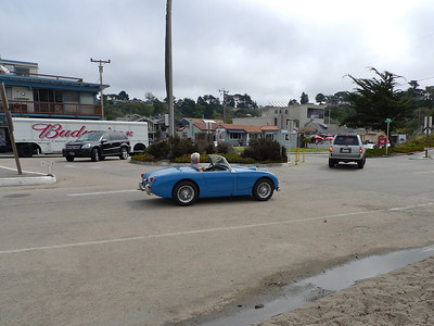 Arriving at the Rio Del Mar entrance to the Aptos Beach Area I spotted this late 50's early 60's Austin Healey Sprite.