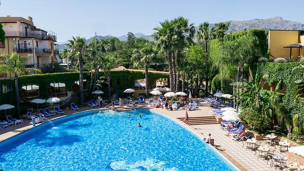 Caesar Palace Hotel, Giardini Naxos