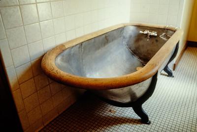 bathtub-t0257