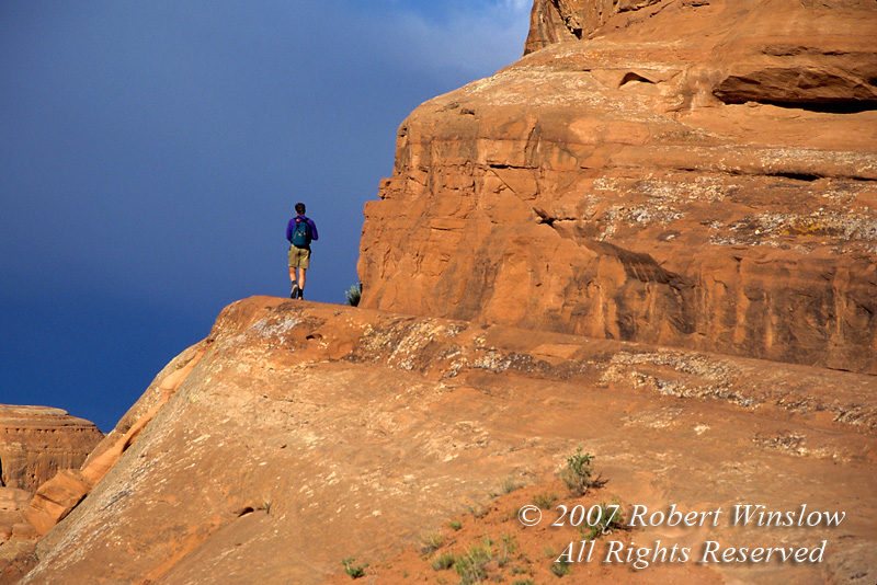 Hiker, Delicate Arch Trail, Arches National Park, Moab, Utah, USA, North America