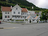 Utne Hotel: Good food, nice rooms, right at the ferry dock.  The first ferry in the morning is the alarm clock.