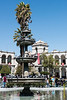 En el medio de la plaza, la pileta con encima el Turututu - Plaza de Armas - Arequipa - Perú<br /> <br /> In the middle of the main square the fountain with on top the Turututu - Plaza de Armas - Arequipa - Peru<br /> <br /> In het midden van de grote markt, de fontein met de Turututu er bovenop - Plaza de Armas - Arequipa - Peru<br /> <br /> En plein milieu de la place d'armes, la fontaine avec au dessus Turututu - Plaza de Armas - Arequipa - Pérou
