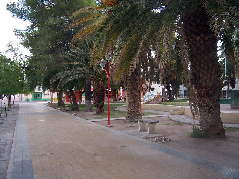<h3>The Jachal plaza after an early-morning cleaning.  Note the small piles of trash which will be collected.</h3>
