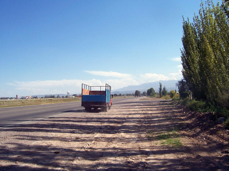 <h3>The truck that took me 50 miles towards Mendoza.  Thanks, guys!</h3>