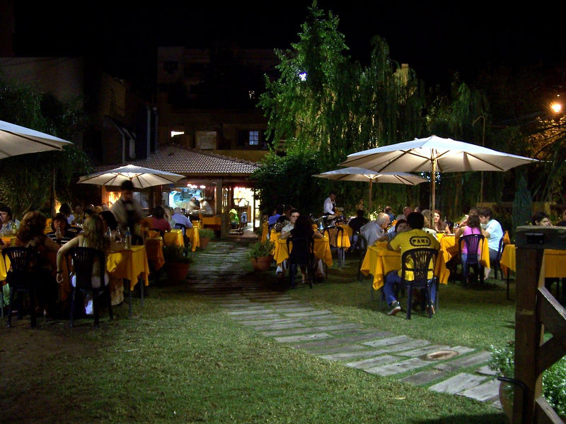 <h3>An excellent garden restaurant in San Juan.</h3>
