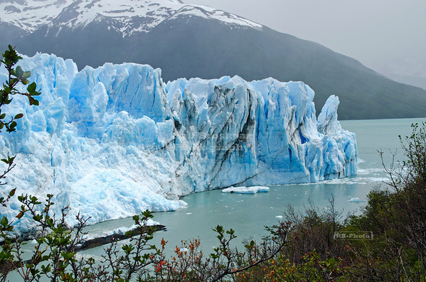 The narrow passage between the Perito Moreno Glacier and the Magellan Peninsula gets blocked every 4-5 years. Los Glaciares National Park, Patagonia, Argentina