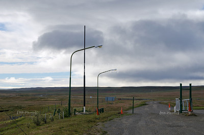 The Argentinian border check point Cancha Carrera is in the middle of nowhere. There is nothing; not even a flag.