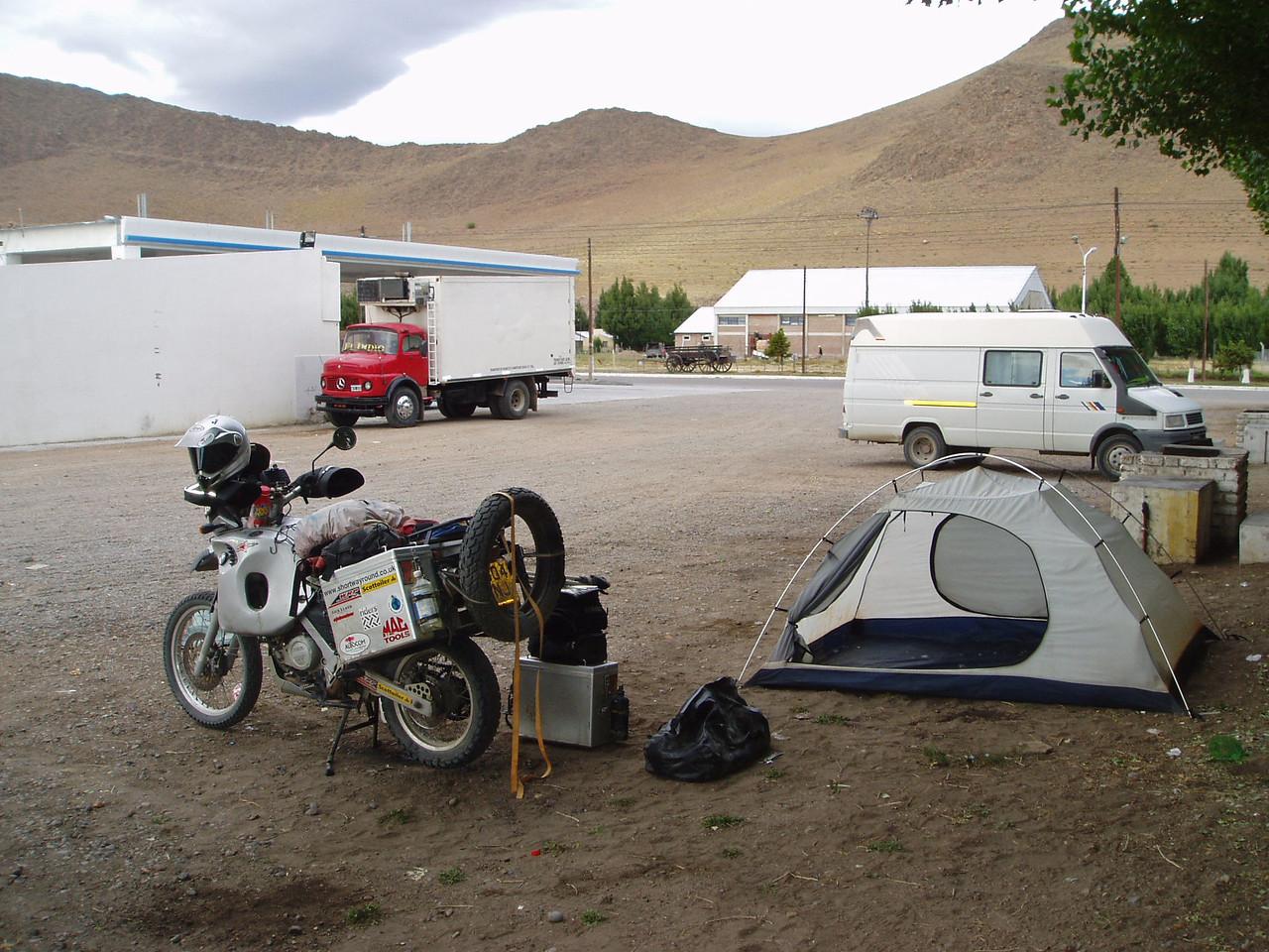Camping at the YPF,  Gobernador Costa