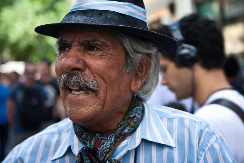 "<a href=""http://www.caminanteargentino.com.ar/""><span style=""color:#7CFC00"">Juan Carlos Balvidares</span></a> performing on the Defensa Street, at the Dorrego feria (Feria de San Telmo)."