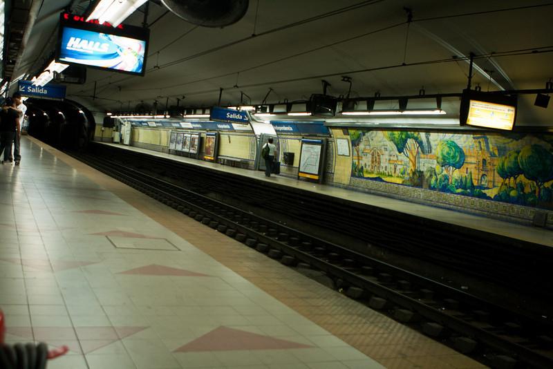 Buenos Aires subway, Sunday evening.