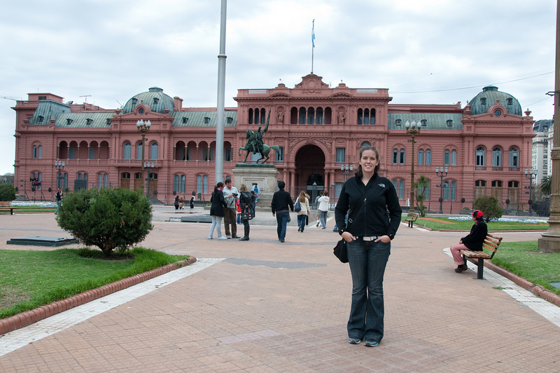 Sasha in front of the Pink Palace in Buenos Aires.