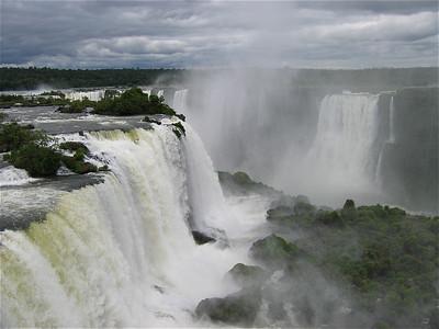 Foz do Iguacu, stiekem aan de Braziliaanse kant, Argentinië.