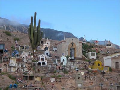Cementario in de Quebrada de Humahuaca, Argentinië.