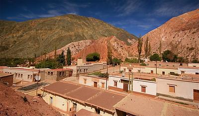 Cerro de Siete Colores in Purmamarca. Quebrada de Humahuaca, Jujuy, Argentinië.