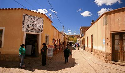 Het straatbeeld van Humahuaca. Humahuaca, Jujuy, Argentinië.