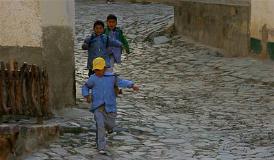 School is uit. Iruya, Quebrada de Humahuaca, Salta, Argentinië.