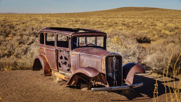 "Studebaker - A Study of ""Old"" Along the Old Route 66"