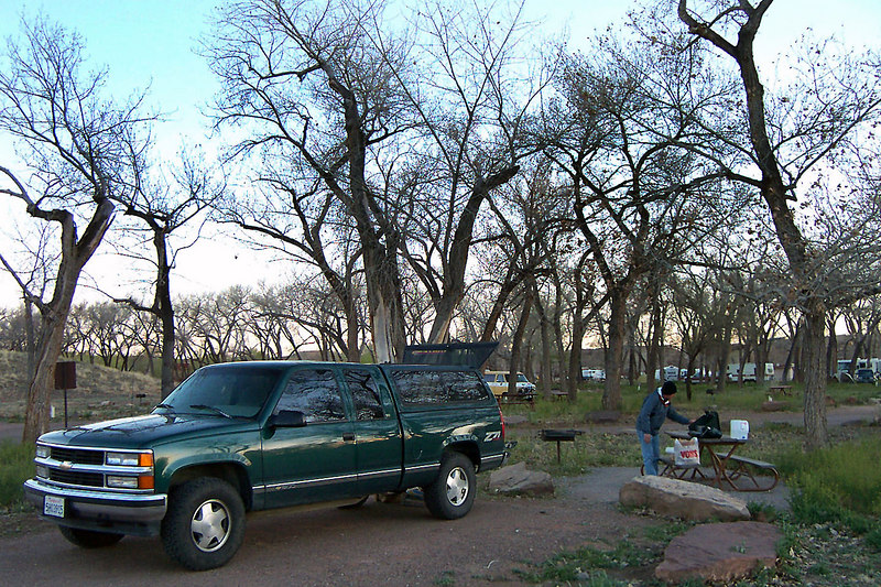 Day #3 at Cottonwood Campground near the Canyon de Chelly. (photo by Helen)