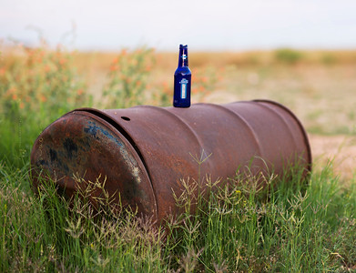 Beer on a barrel 8427