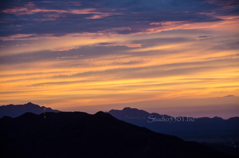 Striped sky sunset So Mtn 8756