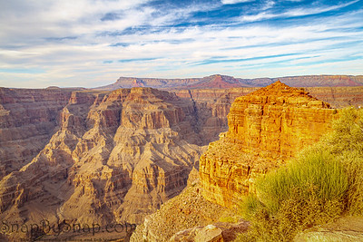 Looking into the Grand Canyon with evening light