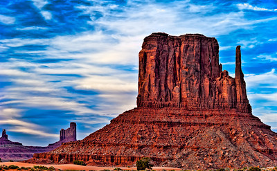 Mittens at sunset, Monument Valley.