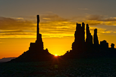 Sunrise, Monument Valley.