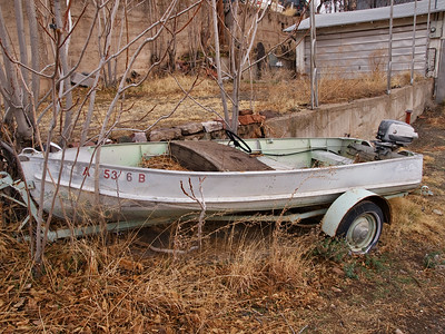 Arizona - Boat with outboard motor - Jerome