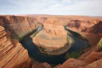 Horseshoe Bend, located downstream from the Glen Canyon Dam, offers an amazing view of the Colorado River down bellow. Getting close to the edge is not for the weak of heart.