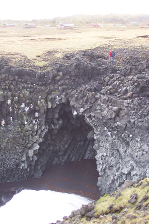 The sea has created magnificent arches in the basalt lava.