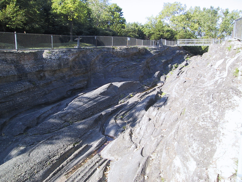 The main groove here is over 400 feet long, over 30 feet wide, and about 15 feet deep.