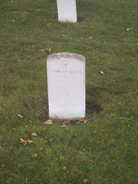 Tombstone for a World War II-era soldier from Indiana at Fort Ontario