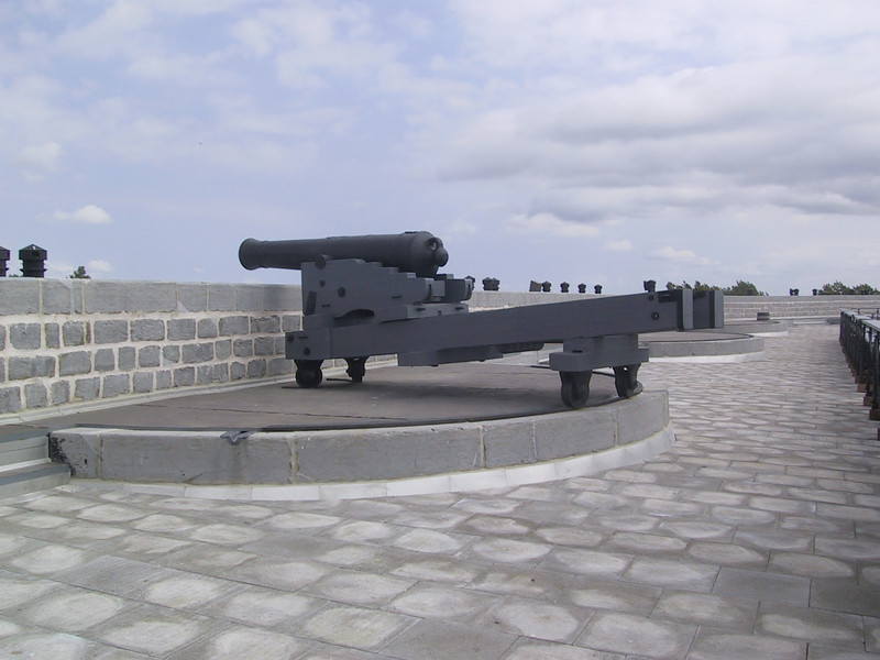 """Cannon at <a href=""""http://www.forthenry.com/FH/index_e.aspx"""">Fort Henry National Historic Site</a>"""