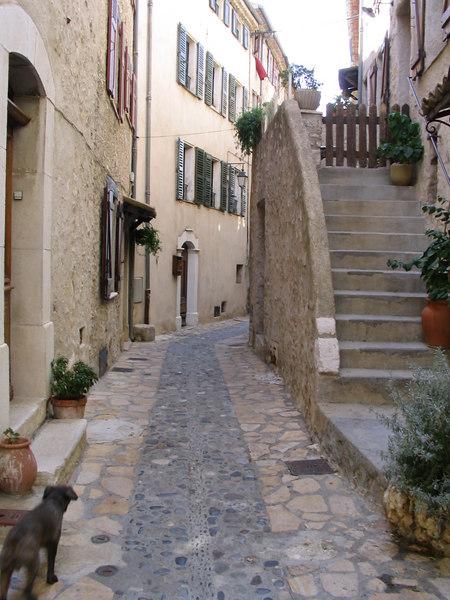 Carros village Sep2003