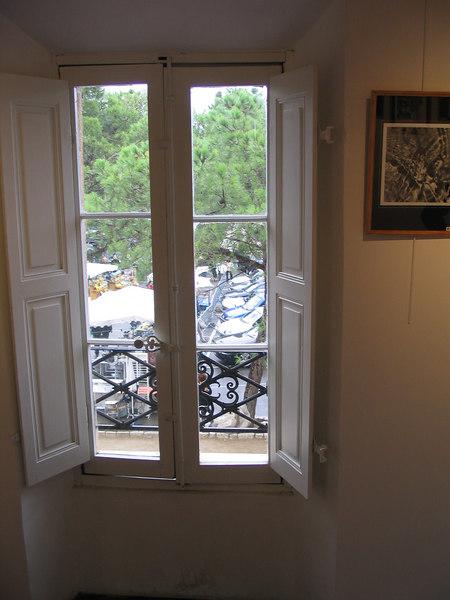 inside the tourist office Tourettes