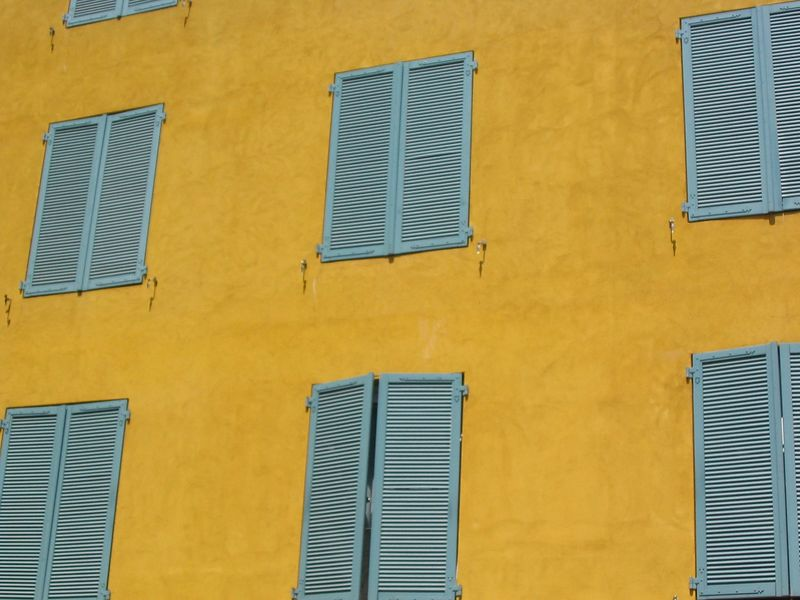 Vence shutters