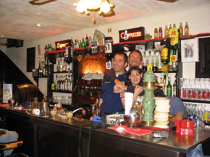 Bar staff Sep2003