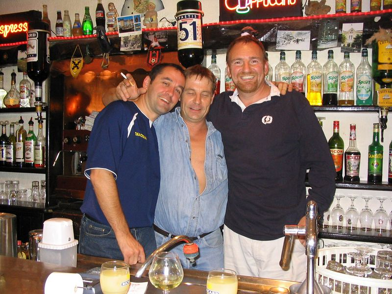 The patron and his best customers Sep2003