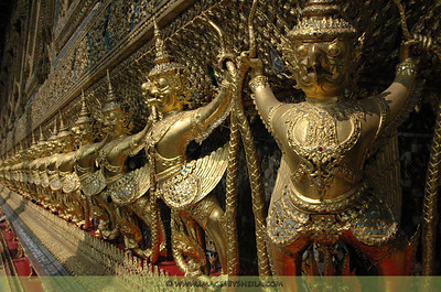 Wat Phra Kaew, Temple of the Emerald Buddha (Bangkok, Thailand)