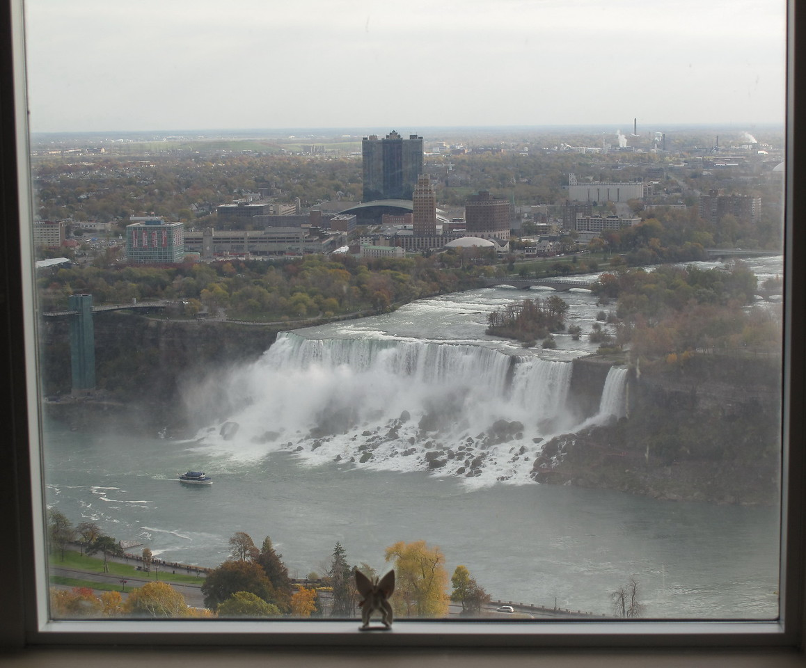 2010-10-23 40th floor of the Niagara Falls Hilton, Ontario