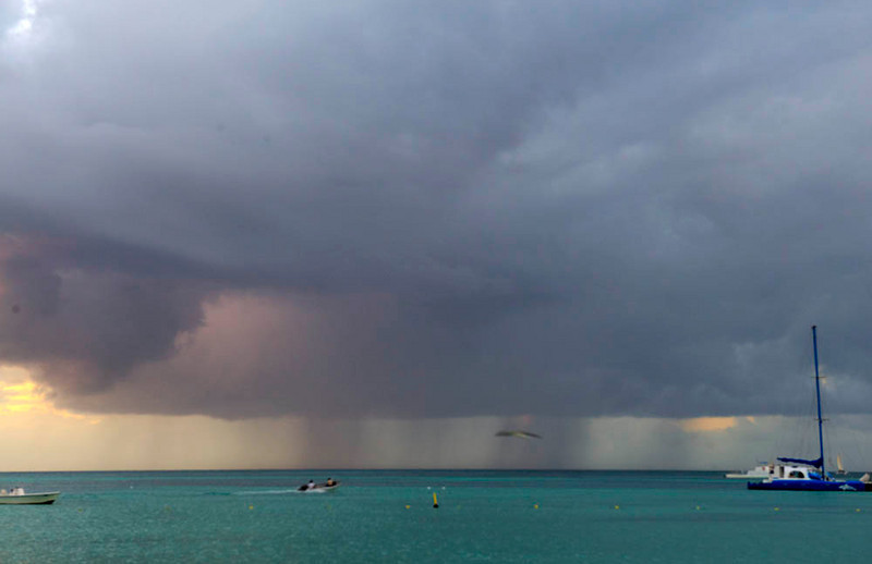 Rainstorm off Aruba coast. (Note: this image not suitable for purchase/reprint because of sharpness problems. It just looks cool.)