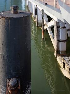 Singapore pier details