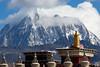 塔公新寺和雅拉主峰(Tagong temple and Yala mountain, tagong, sichuan, china)