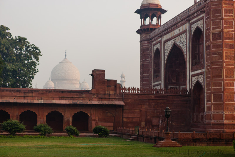 First glimpse of the Taj.