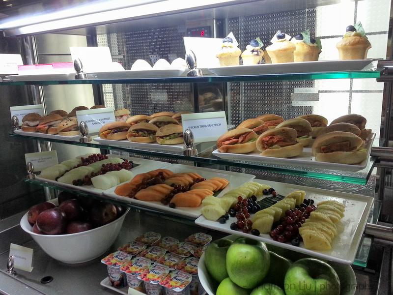 The Emirates lounge had plenty of tasty treats while you waited.