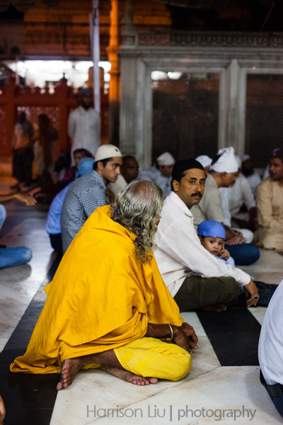Delhi truly is a melting pot- in this one spot you could see Hindu, Sikh and Muslim, along with a few random foreigners like myself.