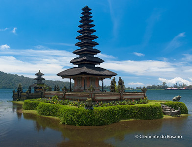 Para Ulun Danu Bratan Temple dedicated to goddess of the lake, Dewi Danu, Bali, Indonesia