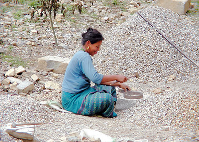 Woman in Tongsa © Bill Lawless