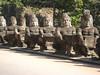 statues_8